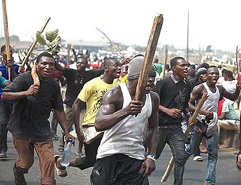 Lagos, Ogun borders unmanned as angry mob attack, kill Customs officers