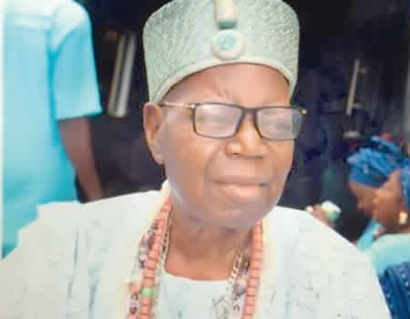 My opponents organised my burial, killed cows and even hired a live band — Oba Wahab - NIGERIAN TRIBUNE
