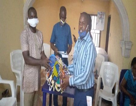 COVID-19: NUJ doles out face masks to chapels in Delta