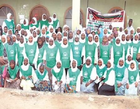 Ahmadiyya rewards winners of quiz competition in Oyo