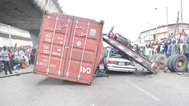 unlatched container, unlatched containers, containers falling