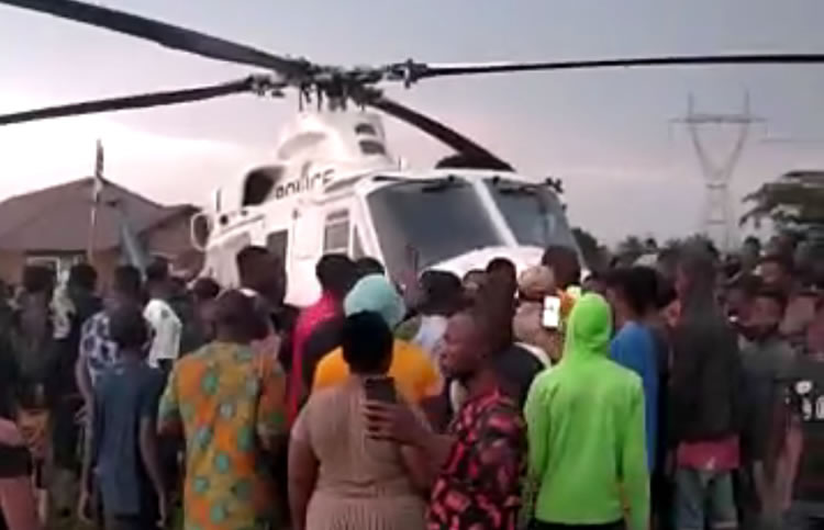#EndSARS: Benin residents impound chopper which mistakenly lands in their community (See Video)