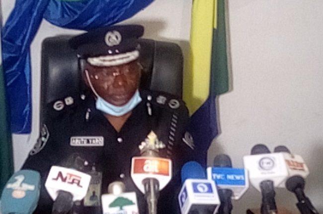 Zamfara police kill notorious bandit, recovers rifle, ammunitions, military  uniforms | Tribune Online