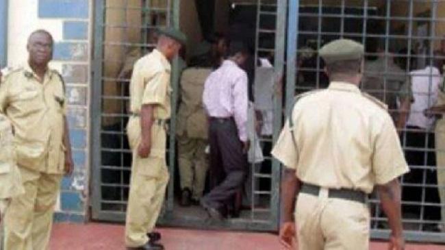 Gunmen attack Kogi prison, free 266 inmates, kill soldier, policeman