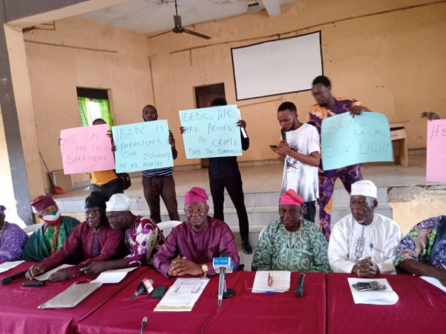 Protest in six Osun communities as residents live in perpetual fear over power outages