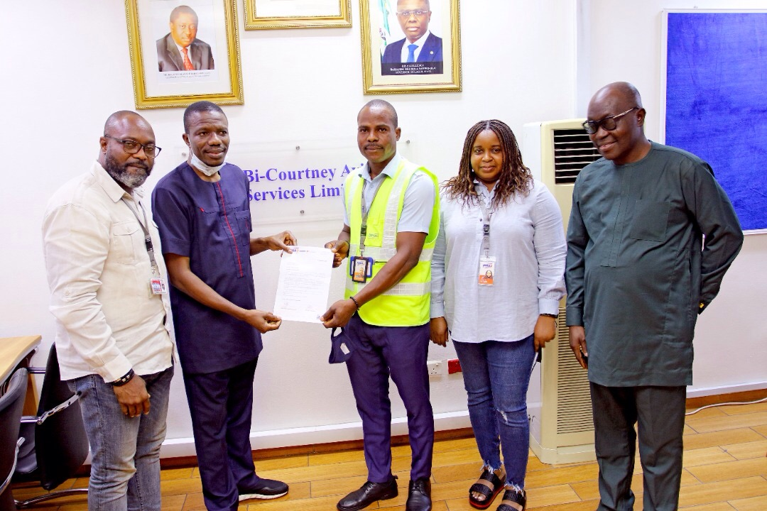 Driver rewarded for returning bag containing millions of Naira at Lagos airport