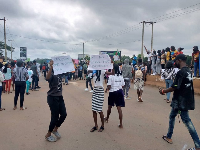 UNIBEN students protest hike in school fee