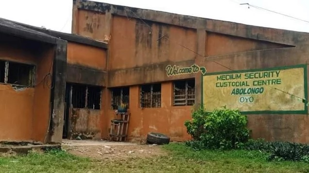 Osun police re-arrest 13 fleeing inmates from Abolongo prison in Oyo